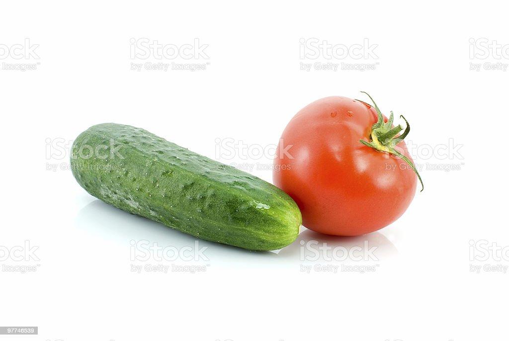 Vermelho tomate e Pepino verde foto de stock royalty-free