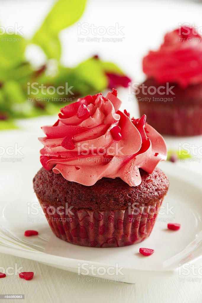 red velvet cupcakes with cream cheese icing royalty-free stock photo