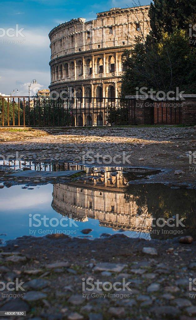 Reflet de la Colloseum photo libre de droits
