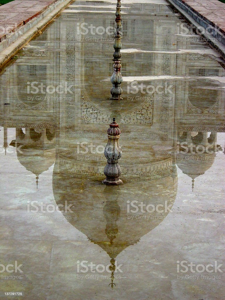 Reflektion of the Taj Mahal royalty-free stock photo