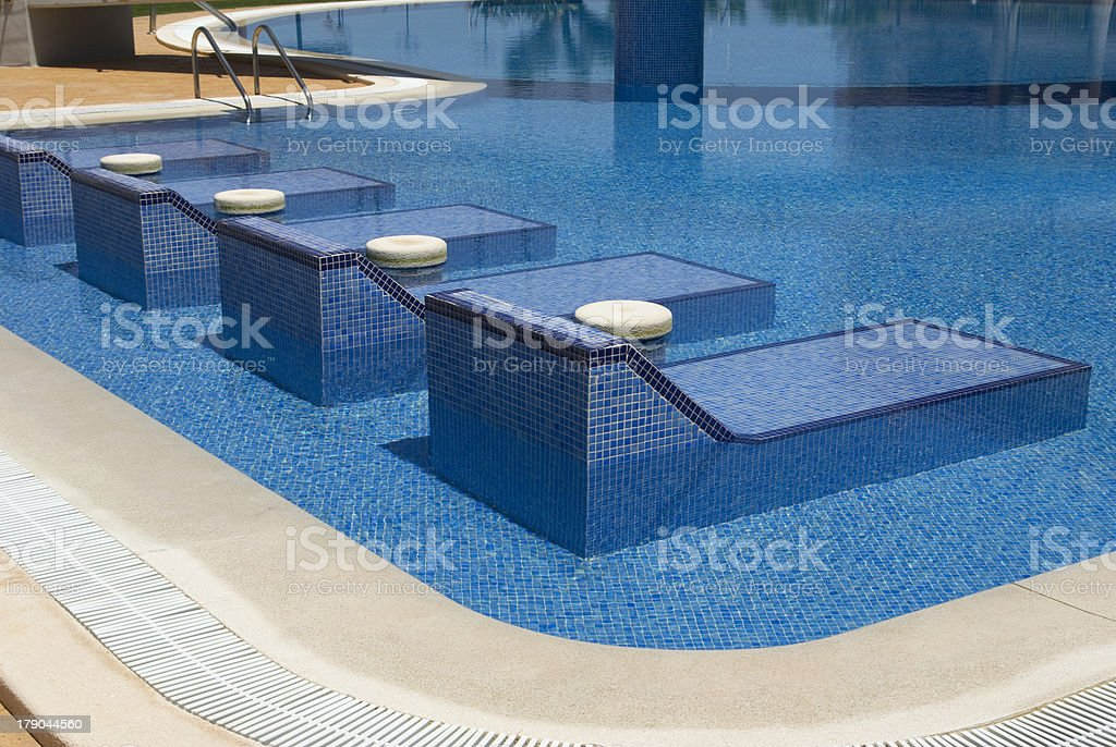 Relax en la piscina royalty-free stock photo