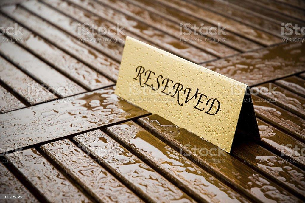 Reservados sob chuva foto royalty-free