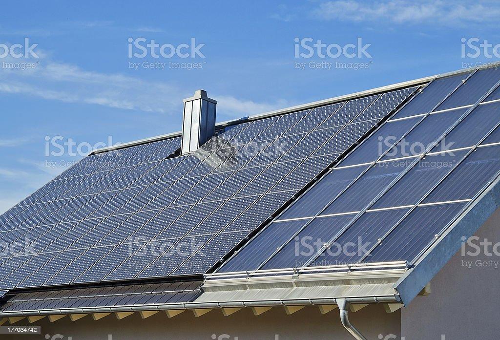 住宅ソーラーパワー ロイヤリティフリーストックフォト