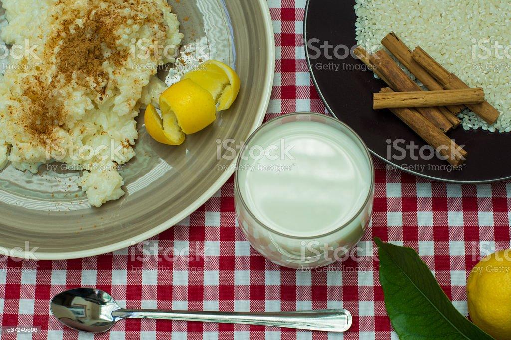 L'arroz con leche bouillant photo libre de droits
