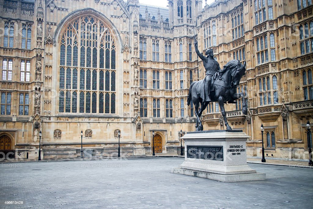 Richard the Lionheart standing guard outside the Palace of Westminster stock photo