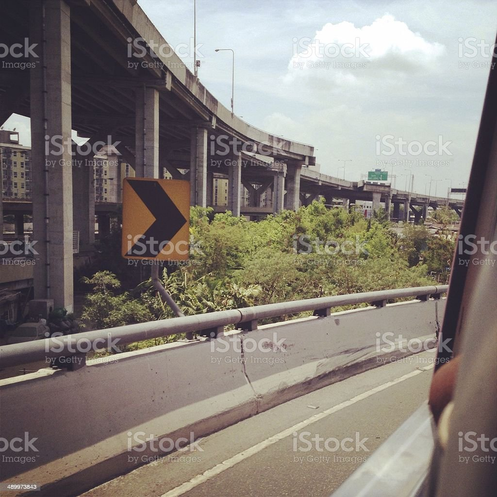 Право на современный конкретные Надземная дорога way Стоковые фото Стоковая фотография