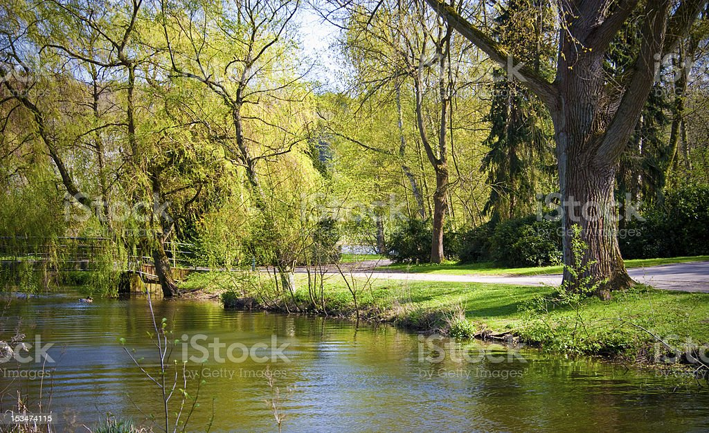Fluss in der city park – Foto
