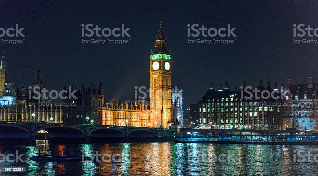 River Thames with Big Ben and Houses of Parliament at Lizenzfreies stock-foto