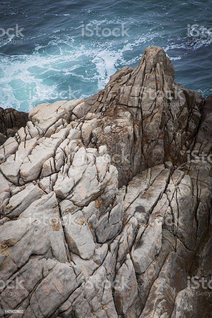 Rocks junto al mar foto de stock libre de derechos