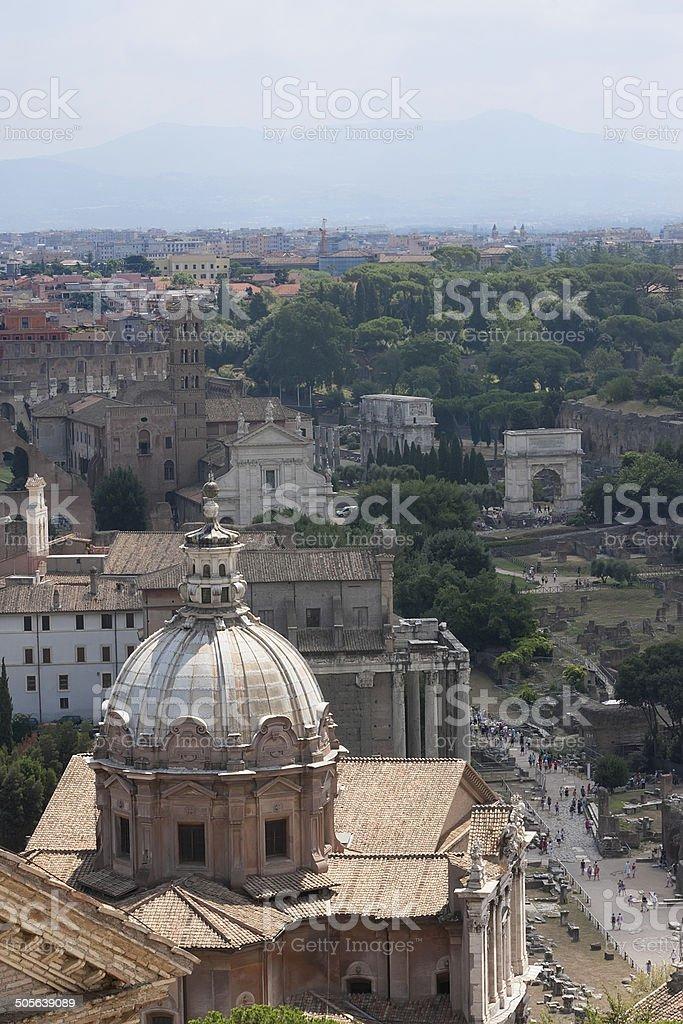 Kathedrale und römischen Ruinen Lizenzfreies stock-foto