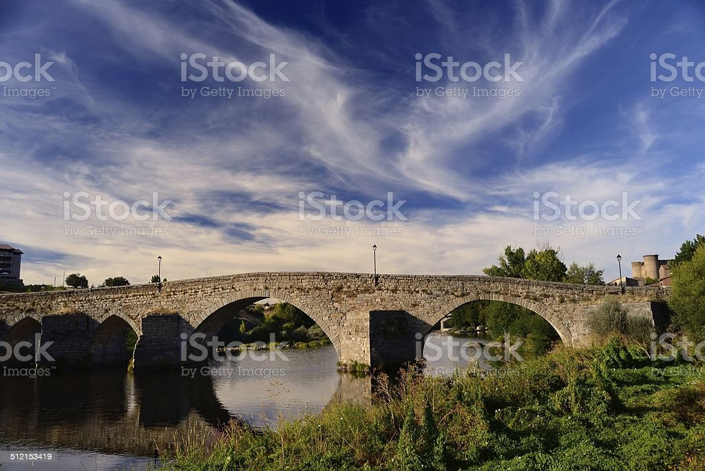 Sala Romanesque puente Ávila - foto de stock