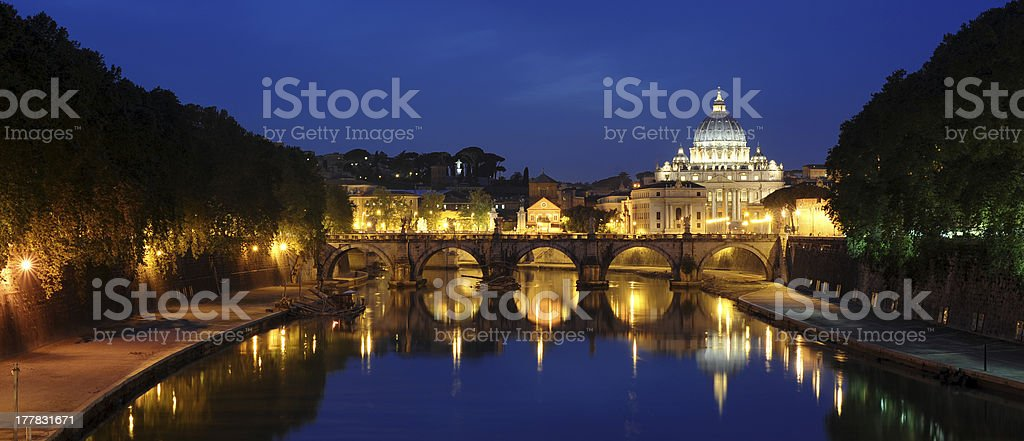 Rom bei Nacht stock photo