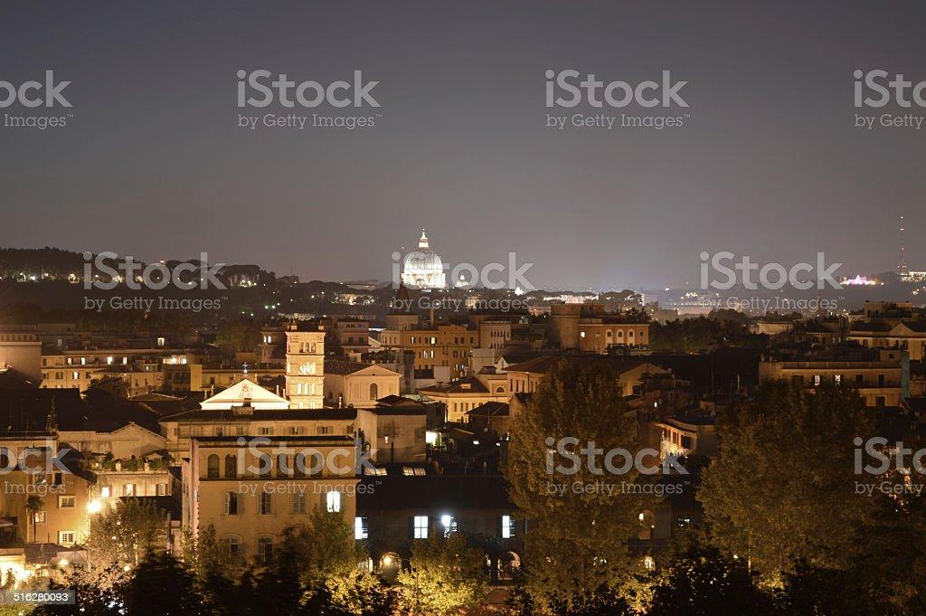 Roma por la noche foto de stock libre de derechos