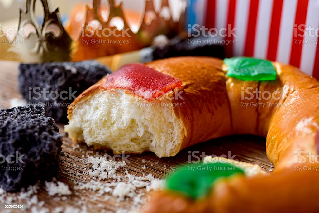 roscon de reyes, spanish three kings cake stock photo