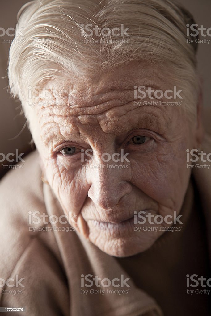 rostro de mujer anciana. Senior woman face stock photo