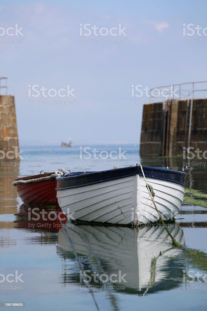 行の船でハーバー、コーンウォール Mousehole ロイヤリティフリーストックフォト