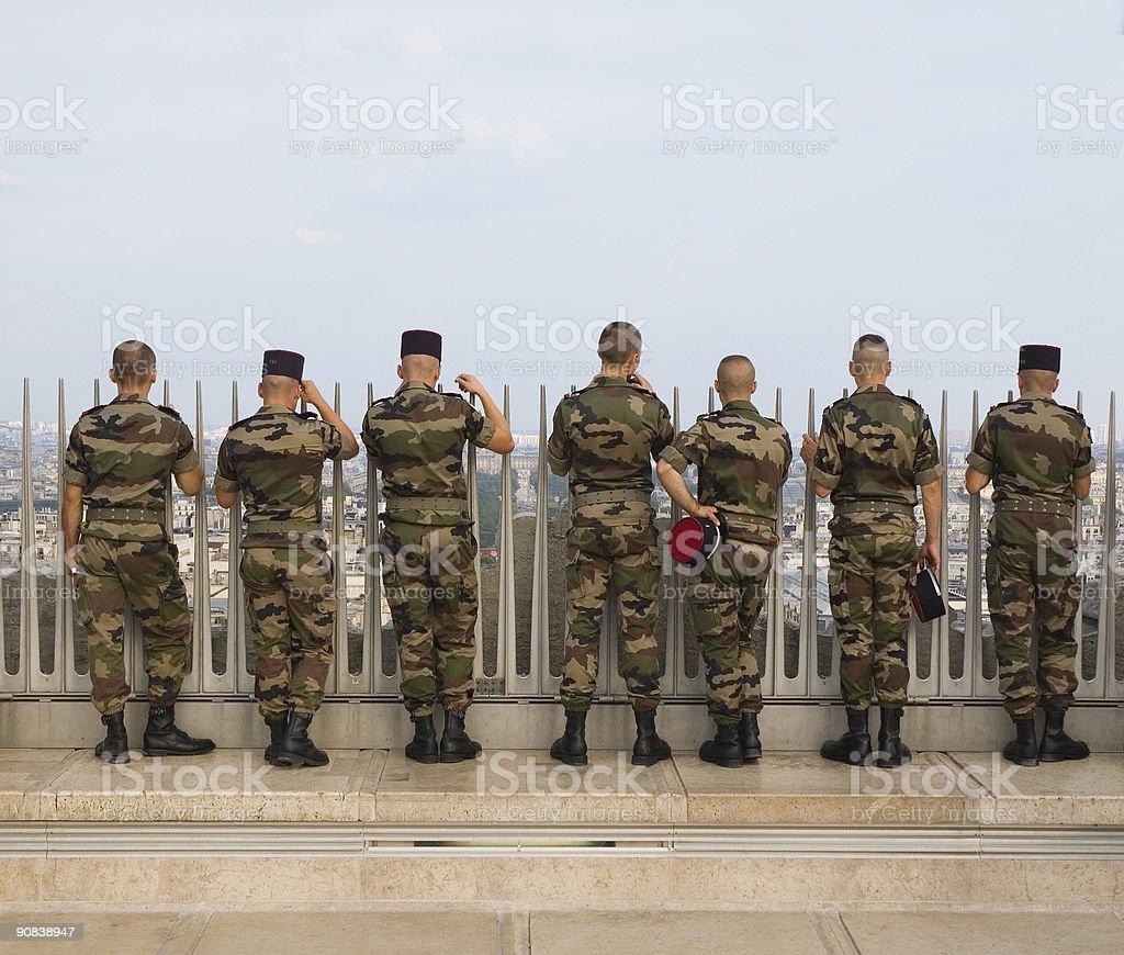 Fila di militari uomini foto stock royalty-free
