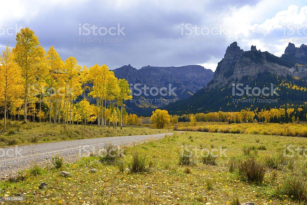 rural road over Pinnacle Ridge on Owl Creek Pass royalty-free stock photo
