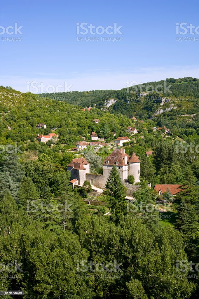 Rural valley and small chateau, Sauliac Sur Cele, Lot, France stock photo