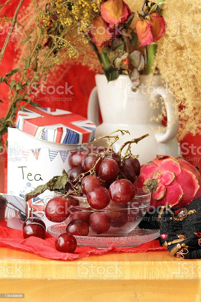 Rustico frutta e Plant Still Life foto stock royalty-free
