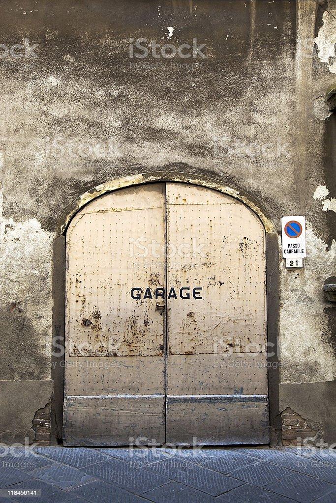 Заржавленный Дверь гаража Стоковые фото Стоковая фотография