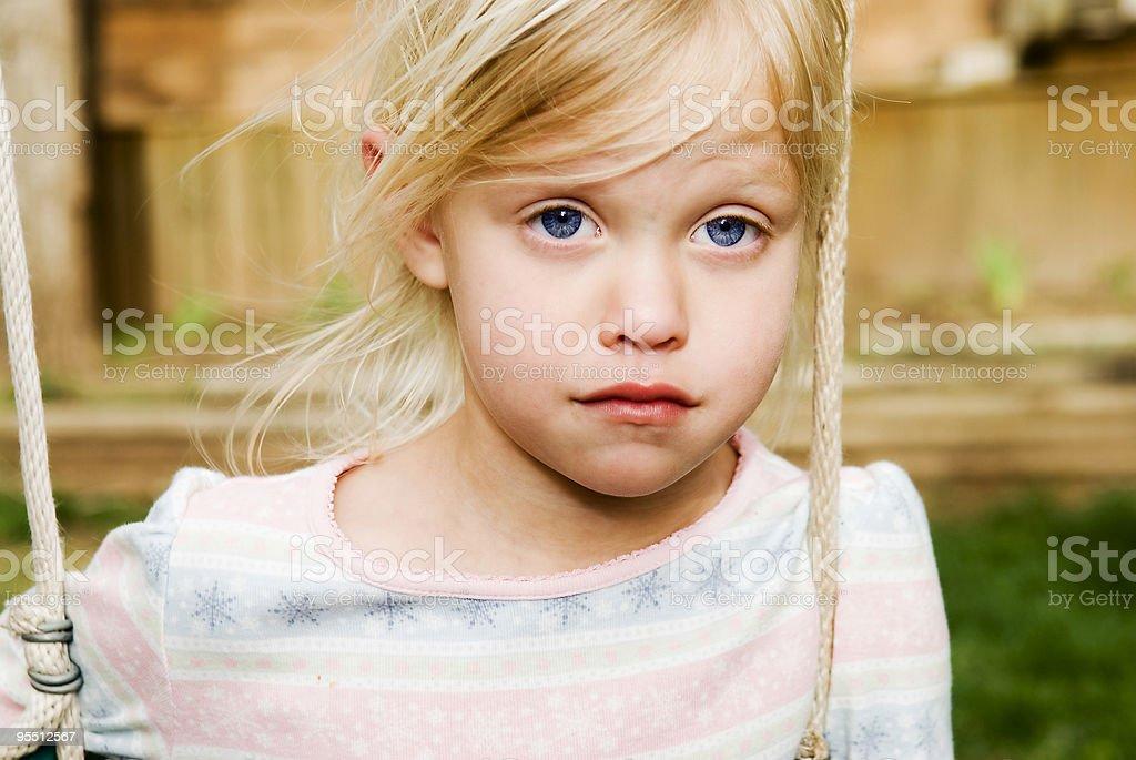 Traurige kleine Mädchen Lizenzfreies stock-foto