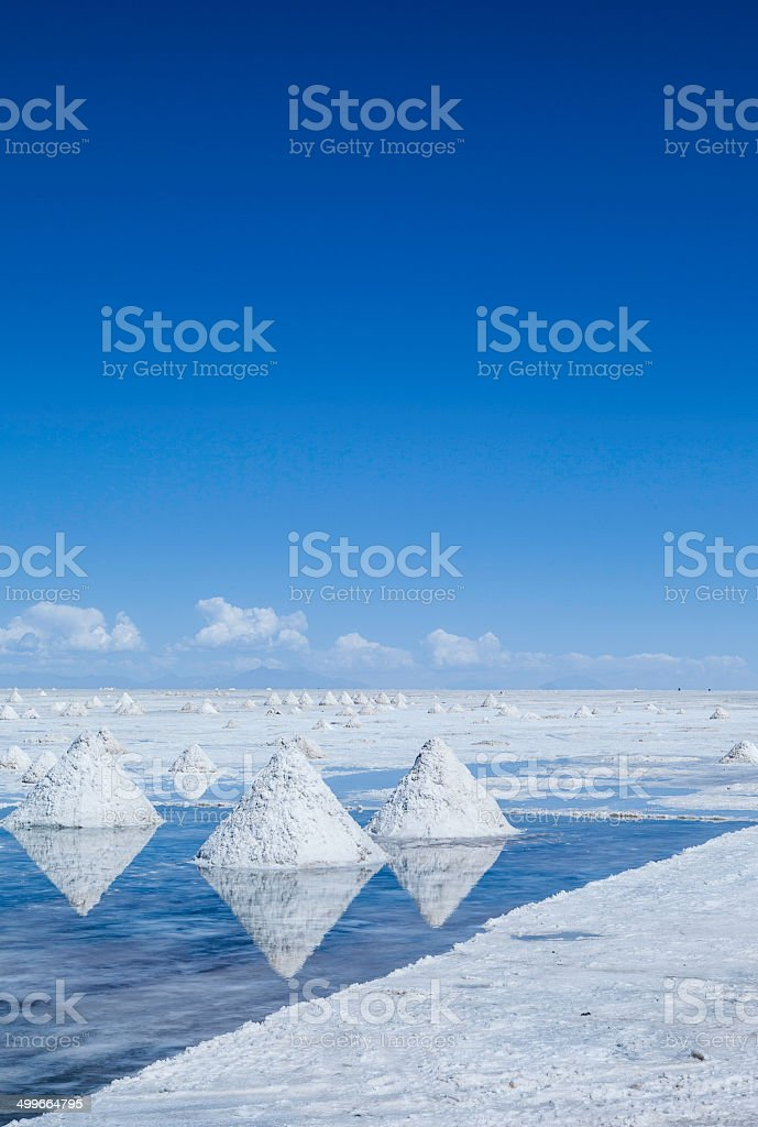 R?colte de sel, salar de Uyuni stock photo