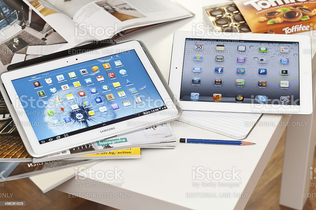 Samsung Galaxy Note and Ipad stock photo