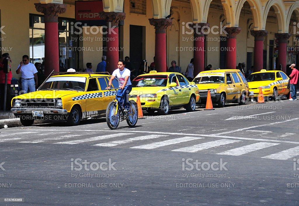 San Salvador, El-Salvador: taxis at Parque Libertad stock photo