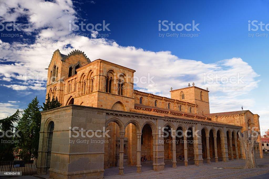 Iglesia de San Vicente en Ávila - foto de stock