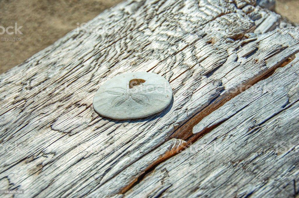 Песочный на старое изделие украшено деревянными Стоковые фото Стоковая фотография