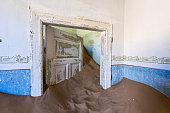 Sand keep the door open