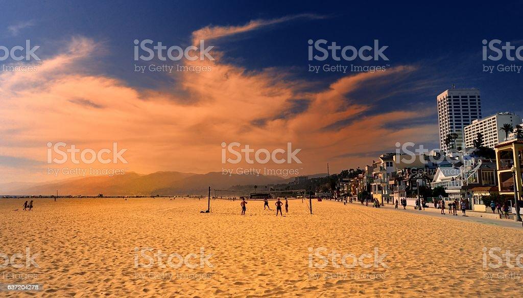 Santa Mónica al atardecer - foto de stock
