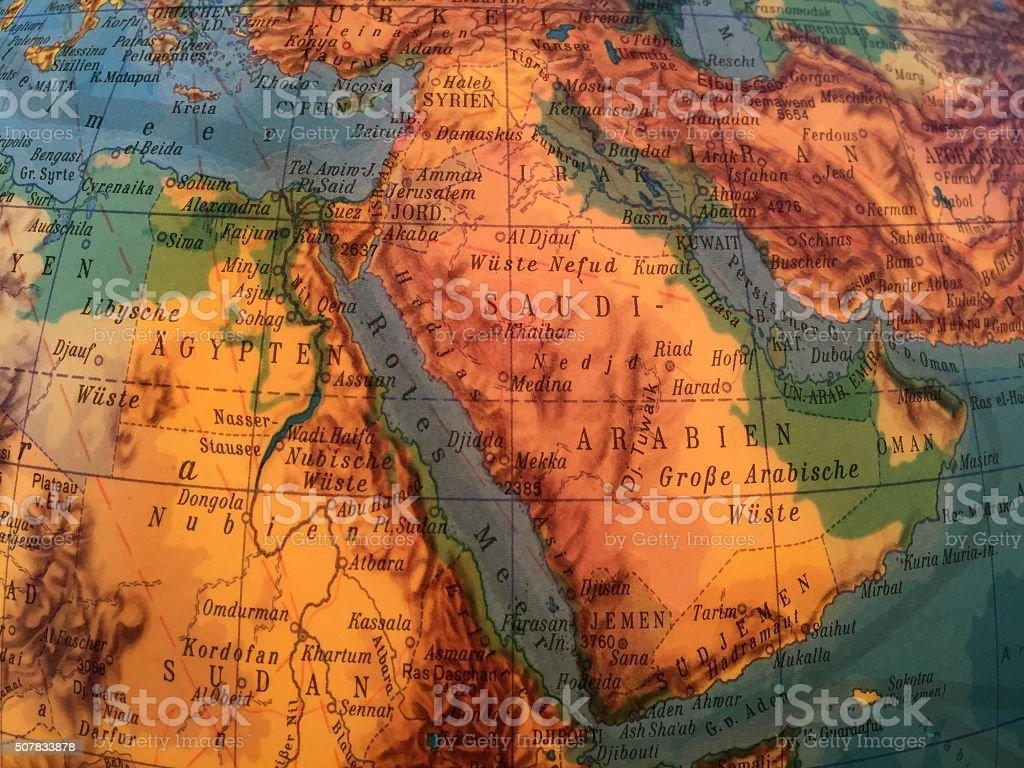 Saudi Arabien Karte - Alter Globus / Weltkarte stock photo