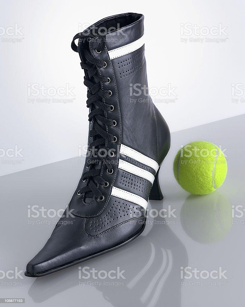 scarpa con pallina stock photo