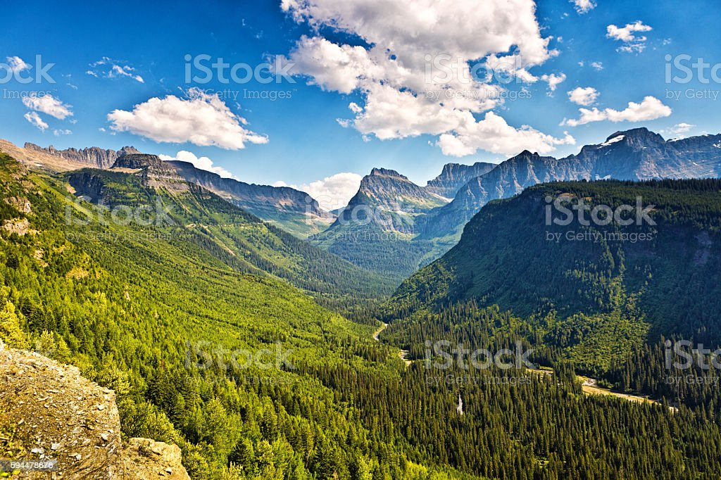 Scenic Going To the Sun Road, Glacier National Park, Washington stock photo