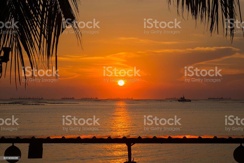 Malerischer Blick auf den wunderschönen Sonnenuntergang über dem Meer Lizenzfreies stock-foto