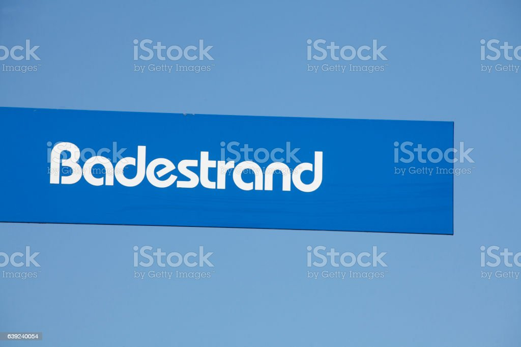 Schild, Wegweiser,  Badestrand stock photo