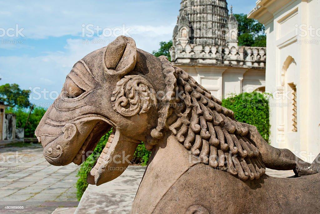 Sculpture d'un lion en groupe le célèbre des temples, Khajuraho, Inde photo libre de droits