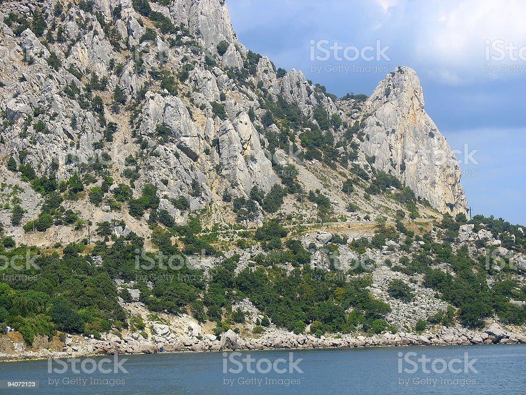 Mar e Montanhas na Península da Crimeia foto de stock royalty-free