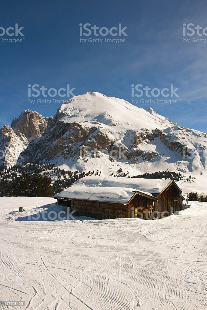 Seiser Alm (Dolomites) - Chalet with Plattkofel and Langkofel stock photo
