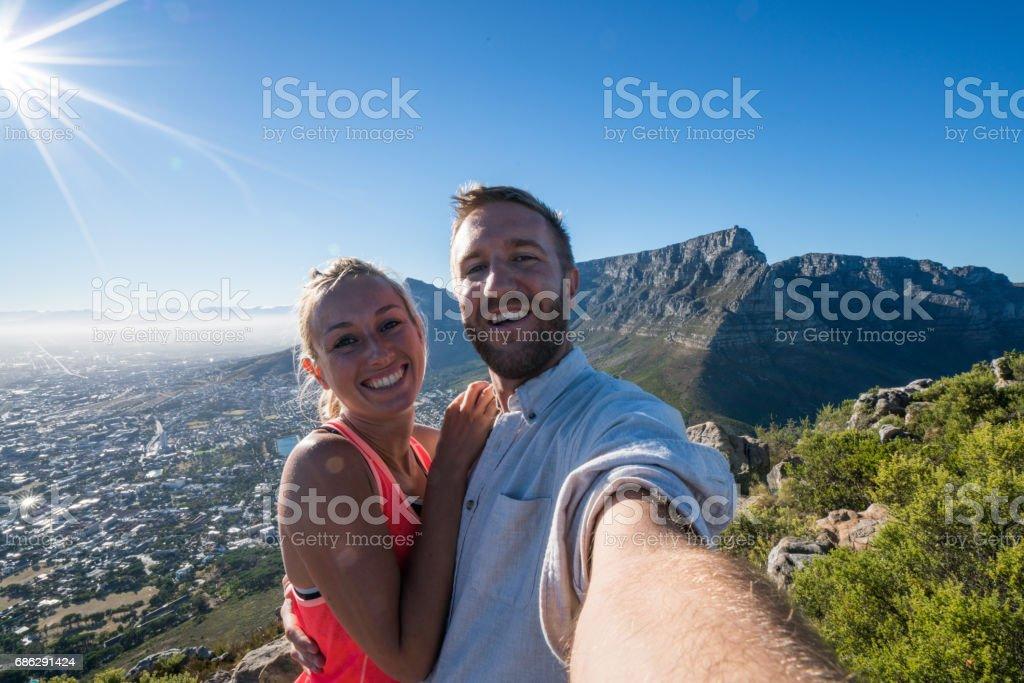 Selfie Porträt eines jungen Paares in Kapstadt, Südafrika – Foto