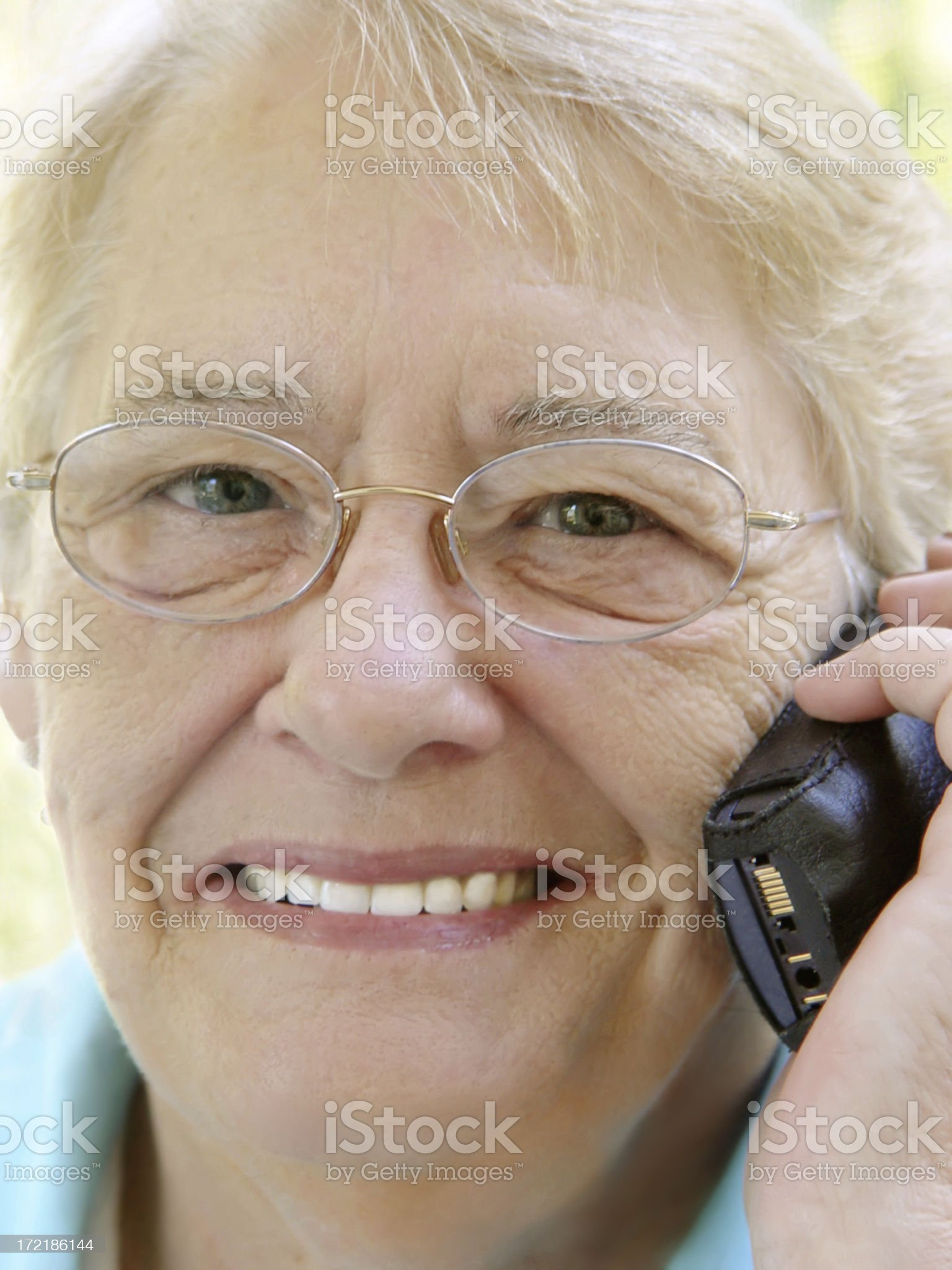 senior portrait - cell phone royalty-free stock photo