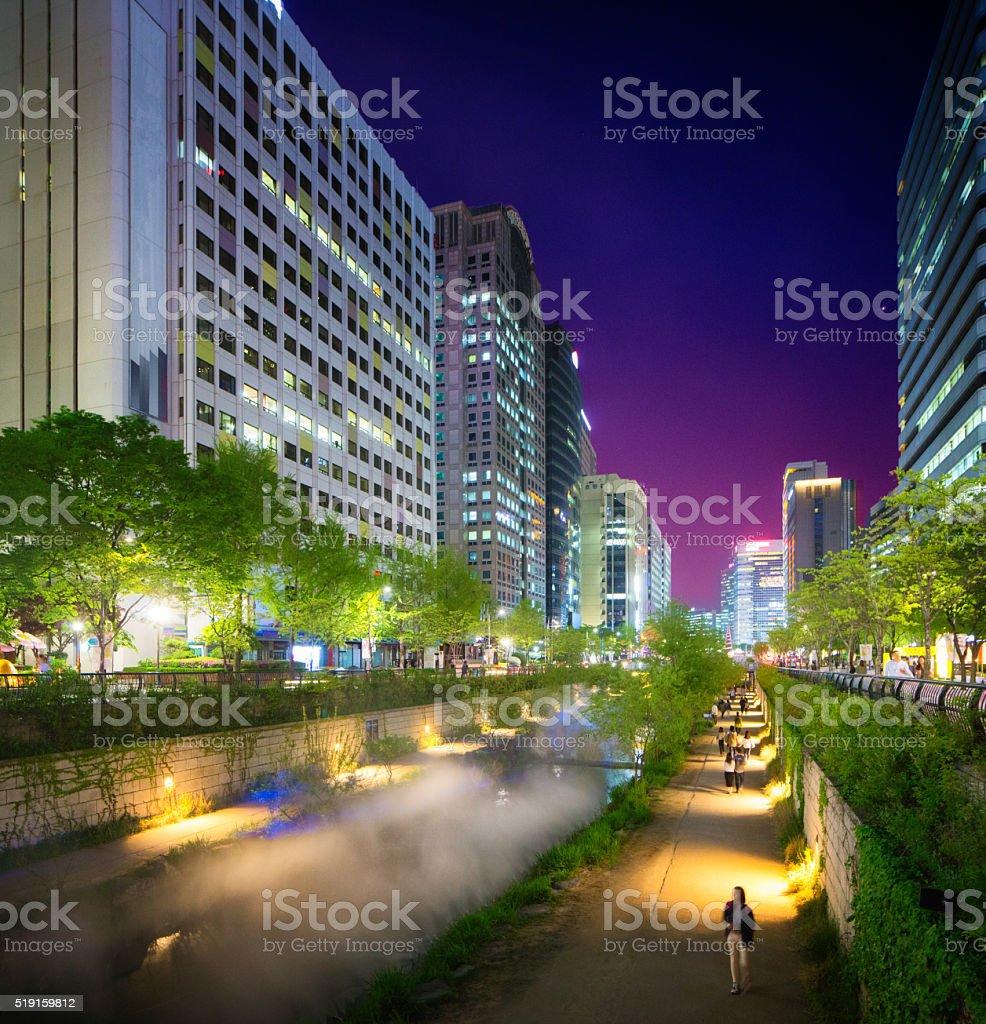 Seoul Cheonggyechon River promenade at night looking west stock photo