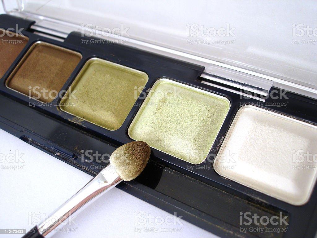 Conjunto de verde eyeshadows e aplicador bucal foto de stock royalty-free