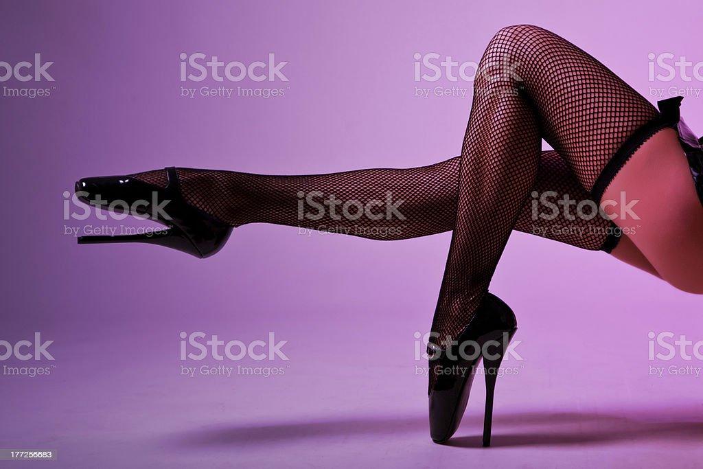 Фото женских ножек в чулках и туфельках