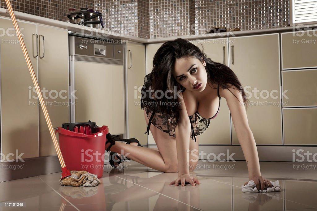Горячие домохозяйки показывают голые киски  498982