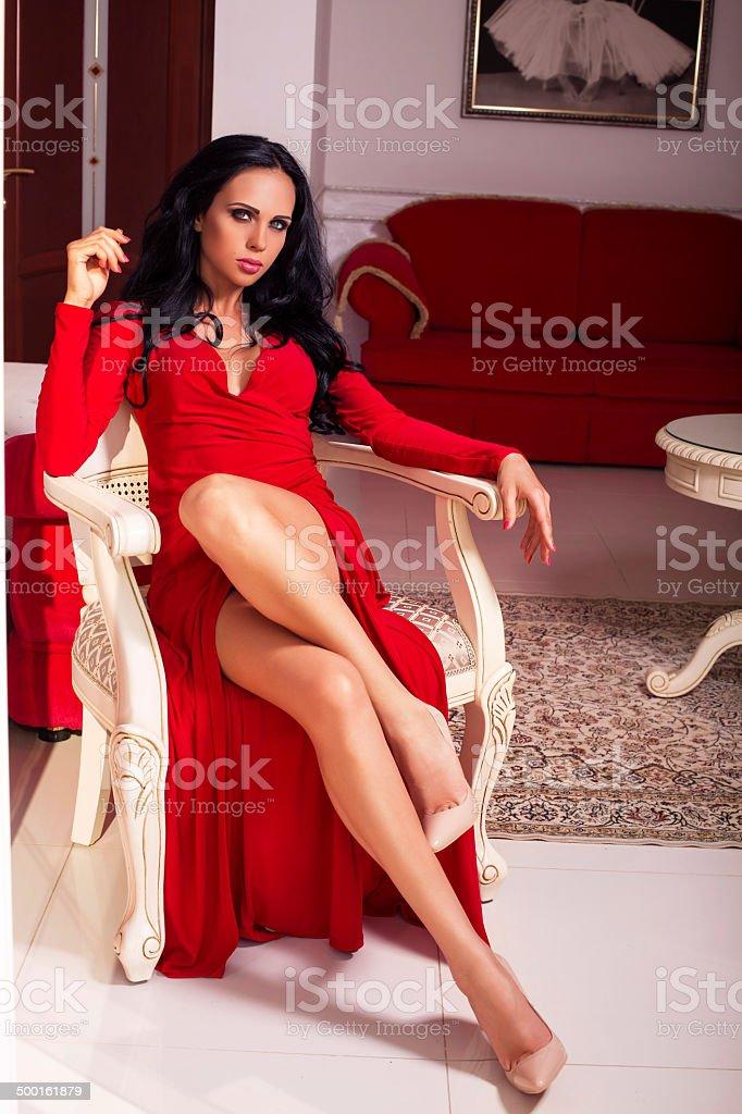 Позы для женщины в платье
