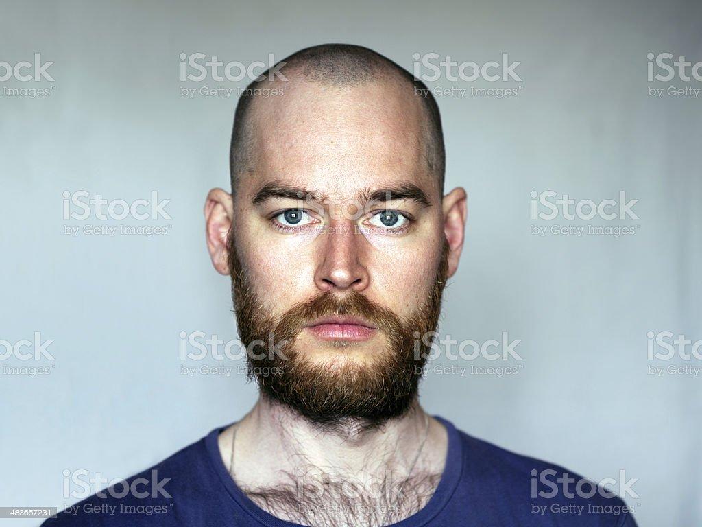 Crane rase avec barbe homeezy - Homme crane rase ...