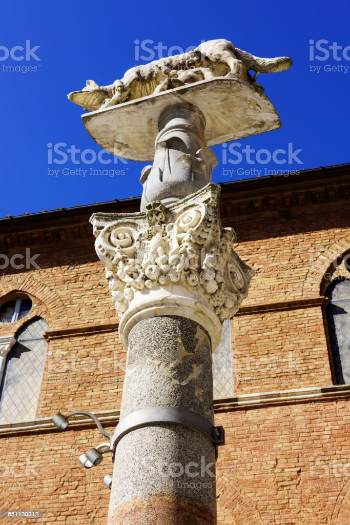 She-Wolf Column, Palazzo Squarcialupi,  Siena, Italy stock photo
